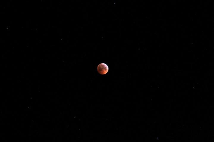 lunar-eclipse-iceland